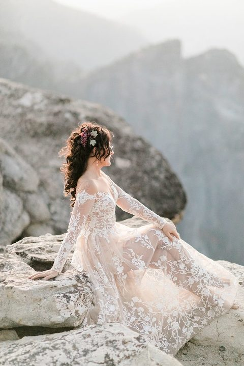 Yosemite Elopement Photographer at taft point