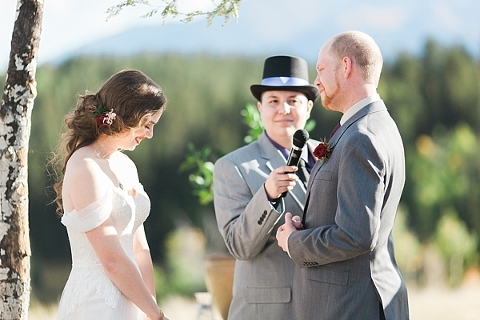 Wedding with Pikes Peak in the background