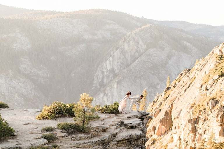 Yosemite Elopement Photographer at Taft Point for sunset