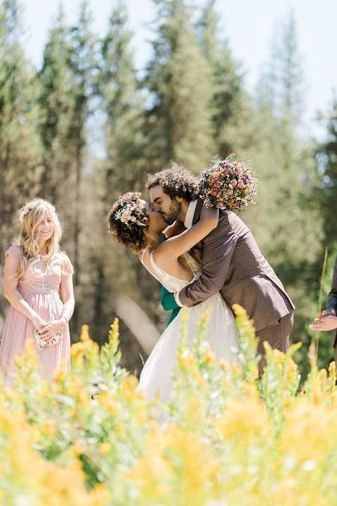 boho Long Meadow elopement ceremony in Sequoia National Park
